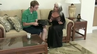 Luck Nerd Guy Fucks Hot Mature - Rude69.com