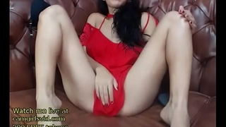 Busty model shows her sexy ass - live at link