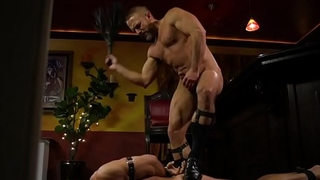 Bound sub roughly flogged by dominant hunk